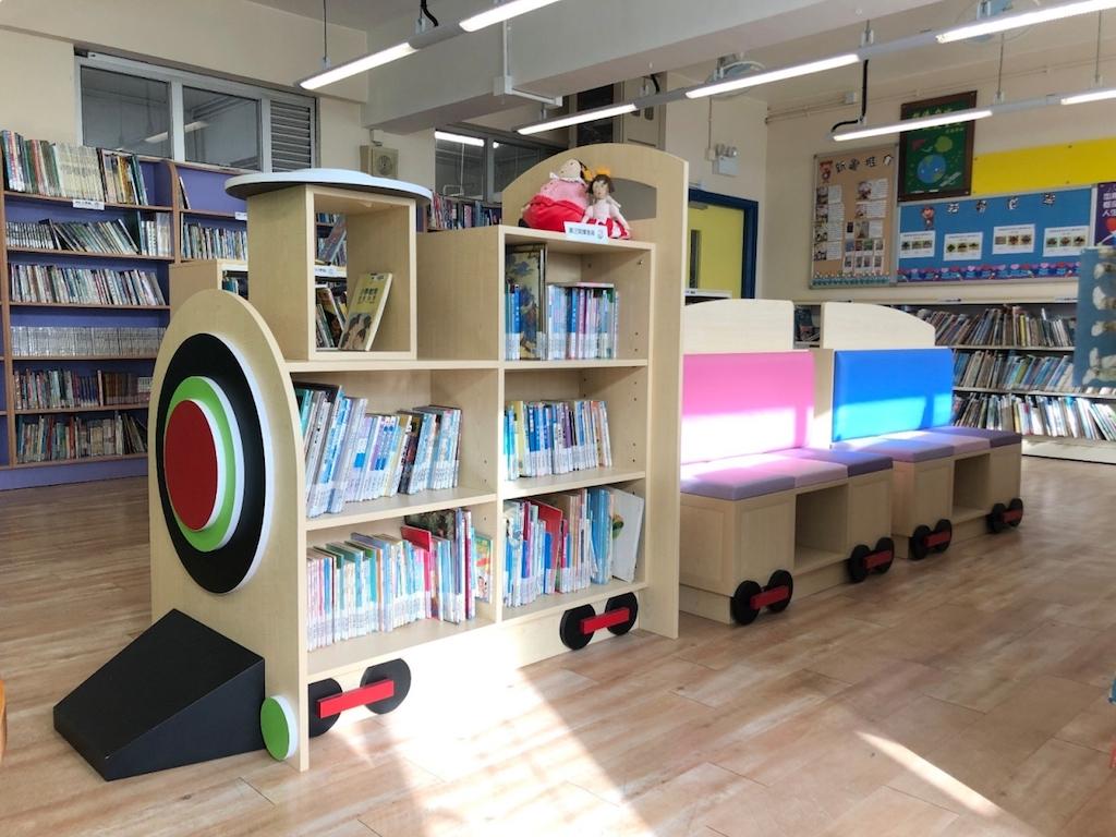 馬信學校的圖書館。
