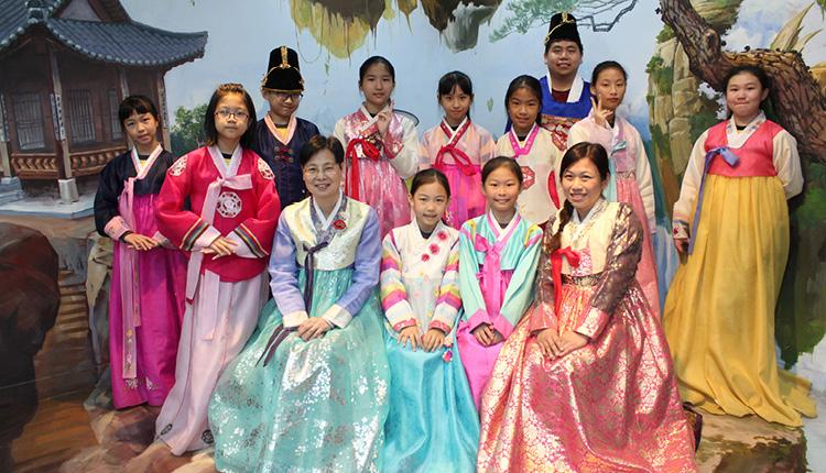 韓國科技及文化交流之 旅,讓學生體驗風土人情。