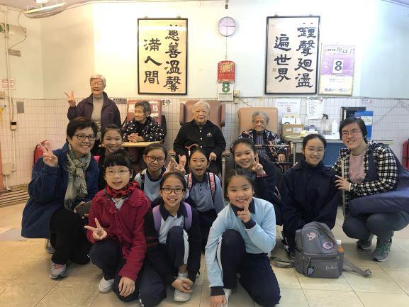 學生走進社區,到安老院參與義工服務