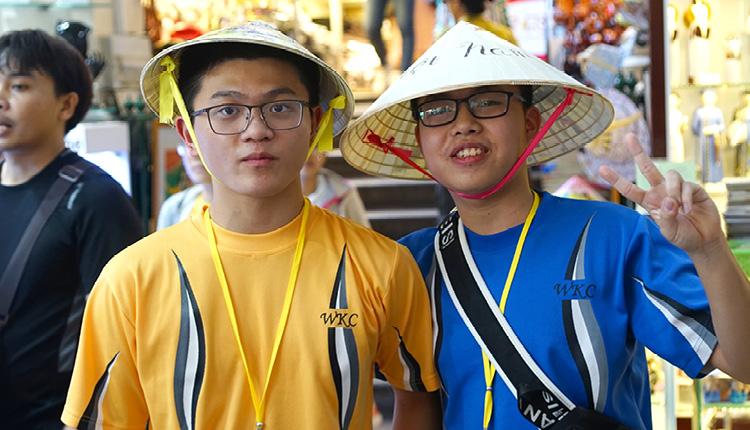 從衣飾、生活細節,了 解越南傳統和現代交融 的社會特色。