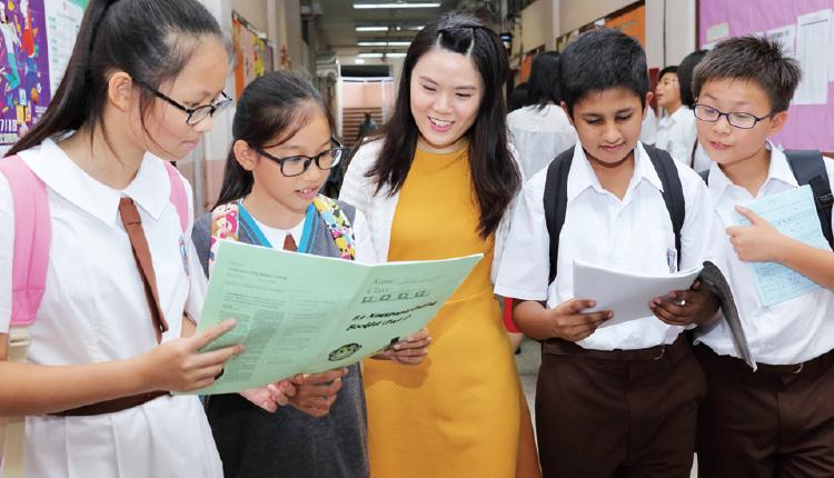 全校師生以英語溝通,不但能訓練學生運用英語的膽量,更可以學到不少日常生活相關的詞彙。