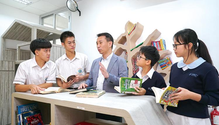 招校長認為與同學相遇是緣份,因此主動和他們接觸,讓同學感受到關懷。