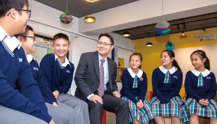 「我們在推動正向和STEM 教育這兩方面走得比較前,累積下來的經驗令我們可以深化教學,裝備學生迎接未來。」香港聖公會何明華會督中學  金偉明校長