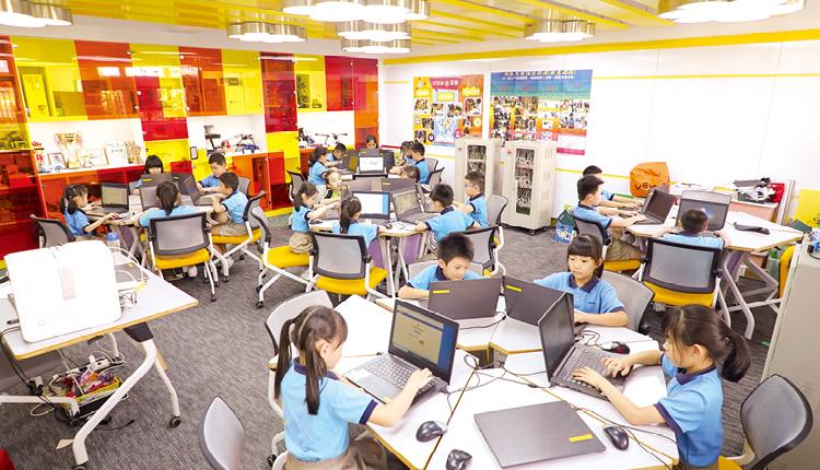 設立完善科技設備的STEM Lab,引起學生學習興趣,激發自主學習。