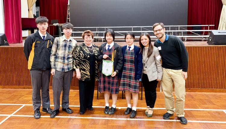 中五級學生在第71 屆香港朗誦節英詩集誦贏得冠軍。
