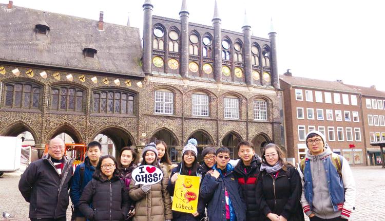 學生參與德國 Stormanschule Arensburg 交流計劃,入住當地家庭及出席課堂。