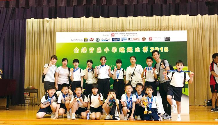 學生參與多項校外比賽,並獲得優異成績,從而建立自信。