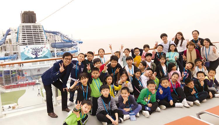 學校安排師生乘搭星夢郵輪,體驗「海上教室」。