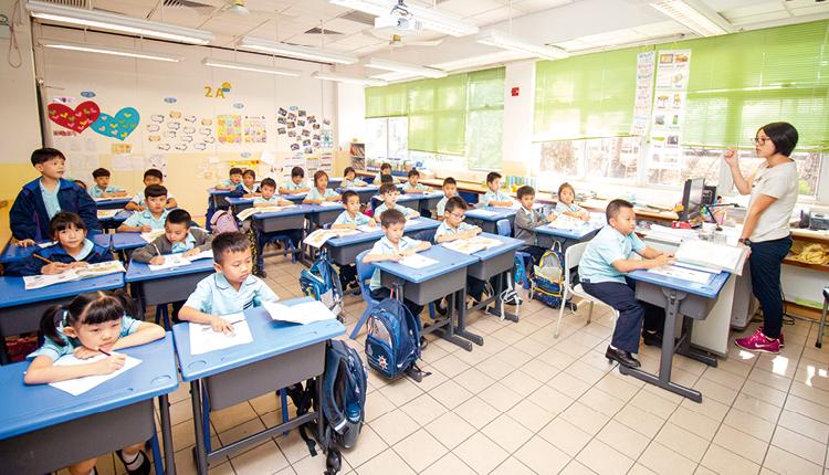 師生比例較高,教師能更深入關注每個學生的學習進度和成長狀況。