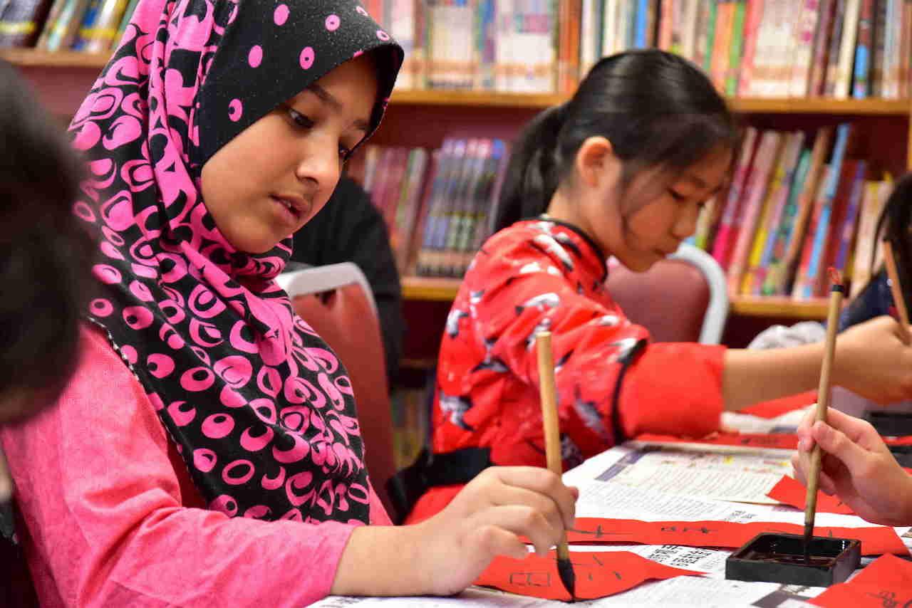 非華語學生和本地學生都能寫出一手好書法