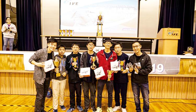 學生在「青年無人機挑戰賽2019」獲得全場總亞軍。