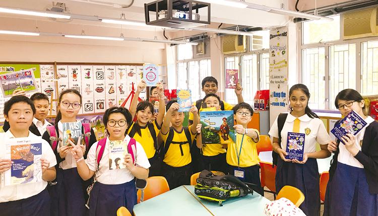 學生選出最喜愛的英文圖書,從興趣中培養良好英語閱讀習慣。