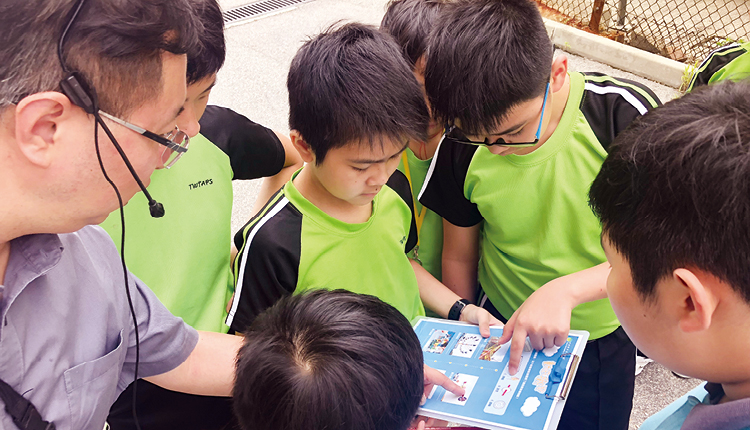 學生透過多元化的活動,從中學習英語。