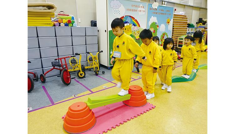 偌大的體能室,讓小孩互相協作, 提升身體協調能力,發現潛能。