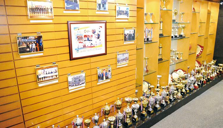 林大輝中學全力支援精英運動員學生,實踐體育與學業雙線發展。