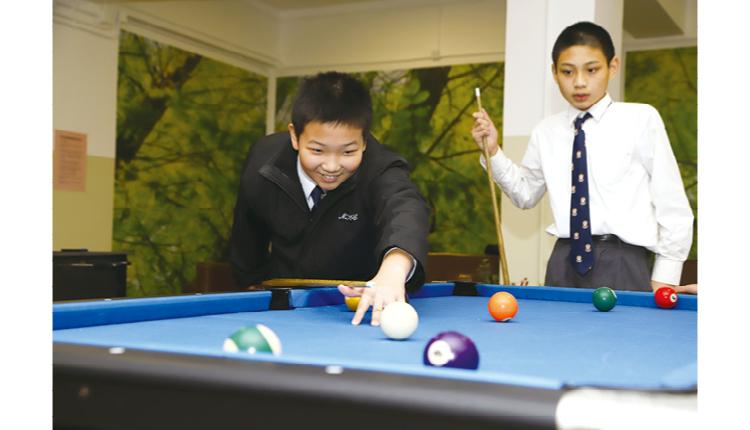 在「學生園地」添置桌球枱,為學生減壓。