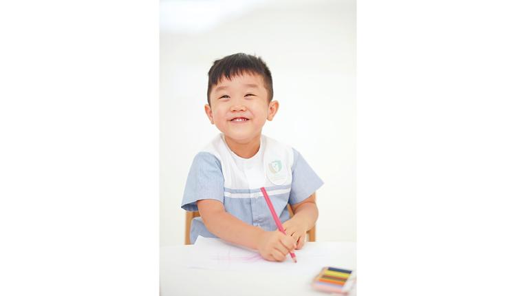 學校致力打造多元語境,全因相信學生多聽多講多應用,才能培養地道口音。
