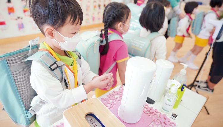 因應疫情,學校更為即將入學的準學生,每月提供學校的學習短片。