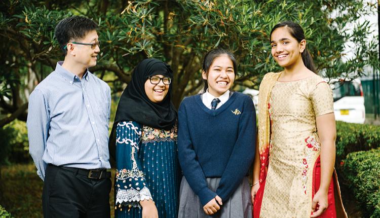 非華語同學融入校園生活,師生樂也融融。