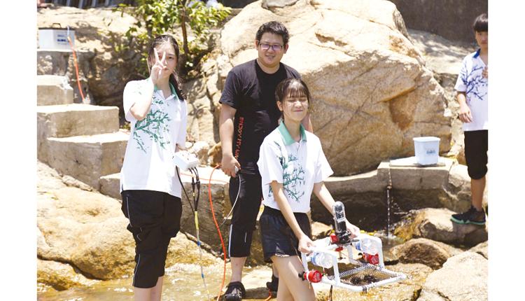 該校STEM課程是全級模式的,所有初中學生也能學到整個校本STEM課程。