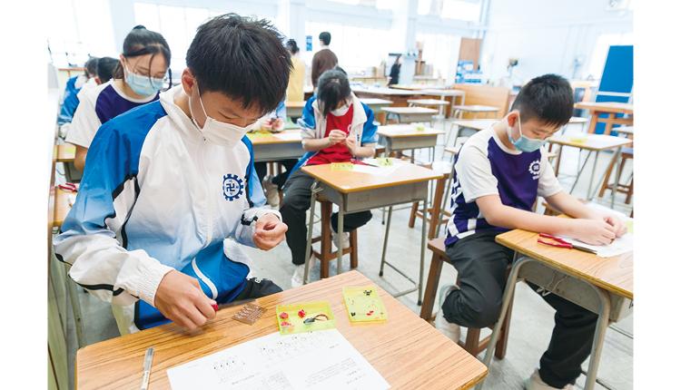 呂校長認為,除了同學以外,教學團隊亦要一直更新學習內容和方法,合力提升教與學效能。