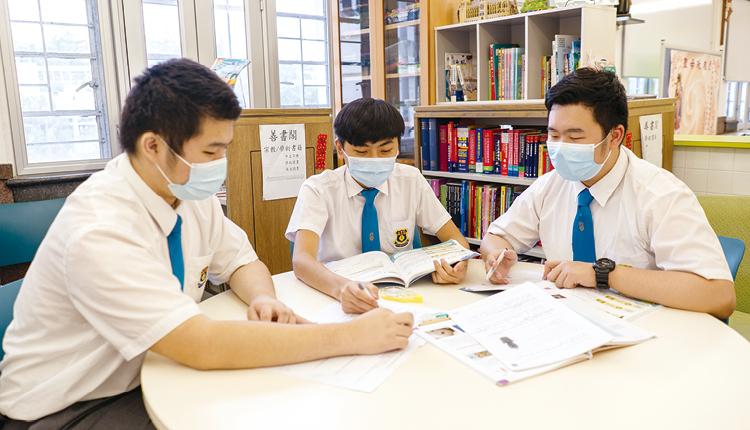 寄宿生活讓同學每天都按時間表有規律地生活和學習。