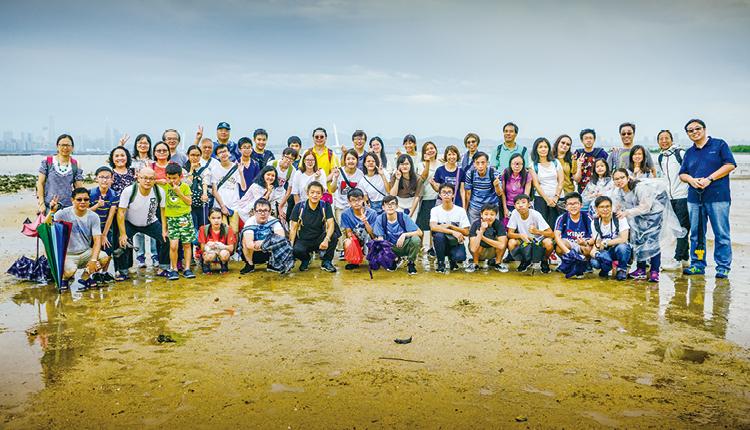 師生參與「荔枝園生命教育計劃」,為環保出力,體驗大自然的奇妙。