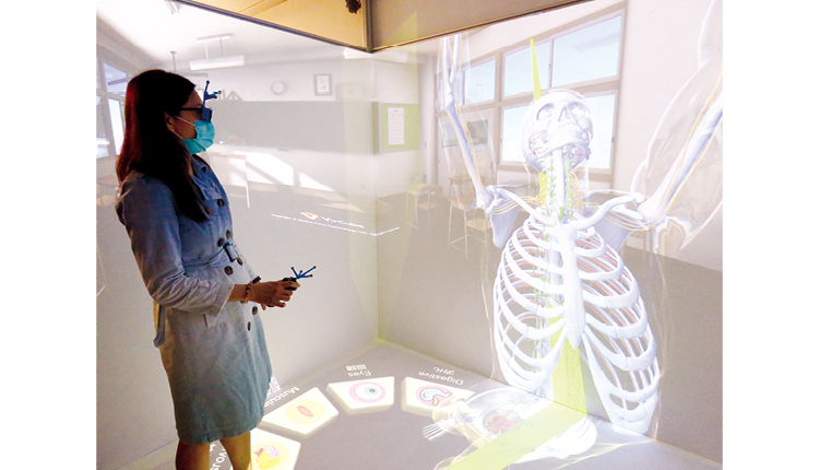 VR 科技令教學變得具體生動。