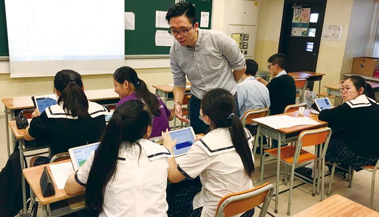 面對世界急速發展,關穎斌校長希望以一條龍直資學校的優勢,多方面發展教育。