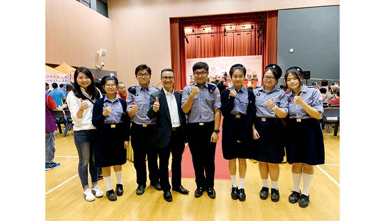 佛教葉紀南紀念中學致力提升學生的語文水平,培養精通兩文三語的人才。