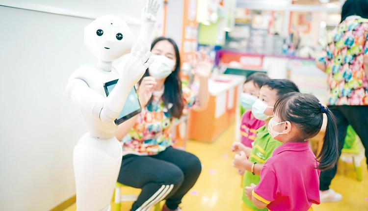 在楊建月校長帶領下,致力培養小朋友德育、語文的潛能發展,為社會培育未來棟樑。