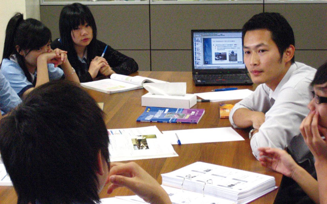 王校長深信「每一個學生皆可成才」,期望凝聚專業的教學團隊,透過自主學習,為學生度身制定適合的學習進程。