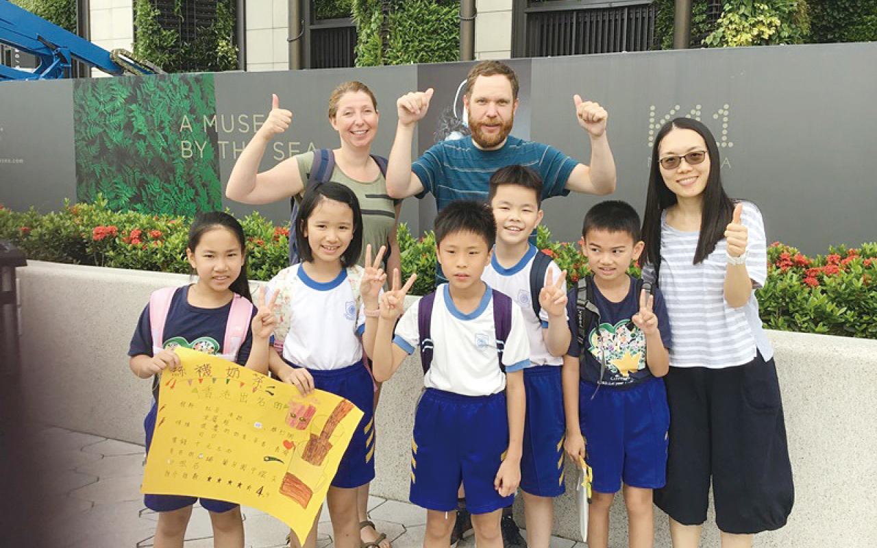 為幫助學生學好英語,校方致力創造語境及善用科技,讓他們建立學習英語的自信。