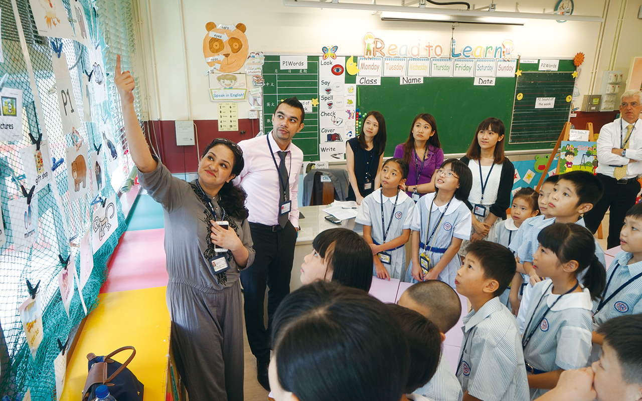 課室以外,學校積極籌辦不同活動,讓「兩文三語」成為學生的日常。