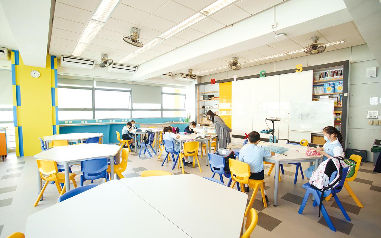 學校秉承「愛人如己」的校訓,培養學生的品德和態度,以積極正面的價值觀和態度迎向未來的挑戰,為社會作出貢獻。