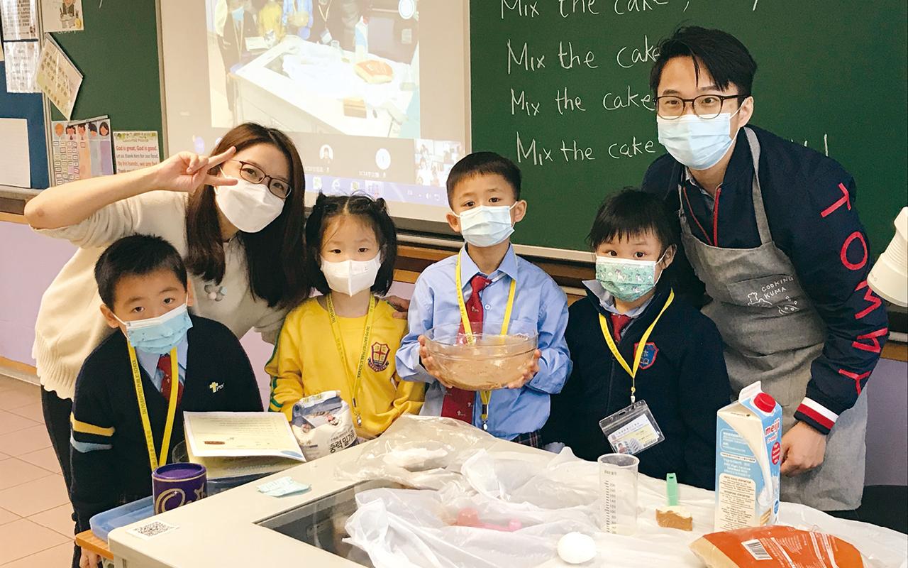 英文科老師希望學生從實踐中學習英文,結合生活經驗來運用英語。