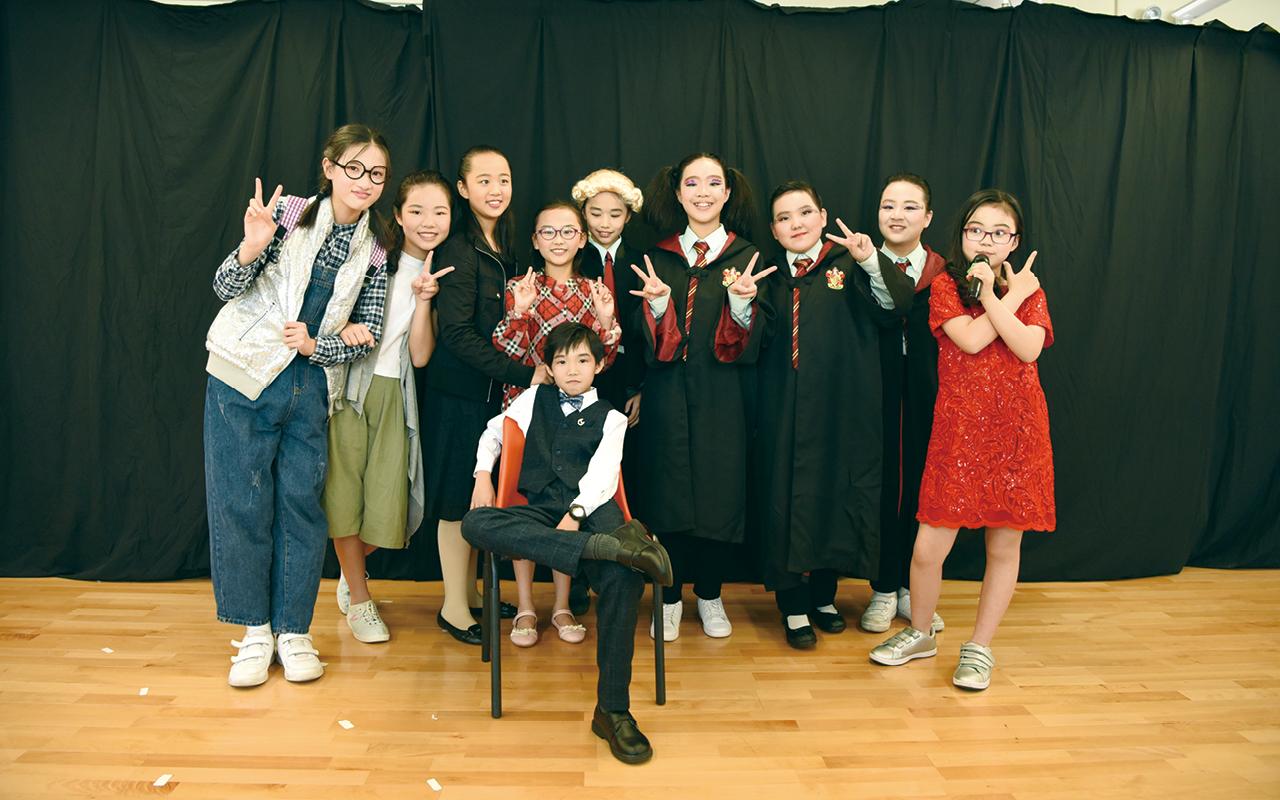 英語話劇劇照。