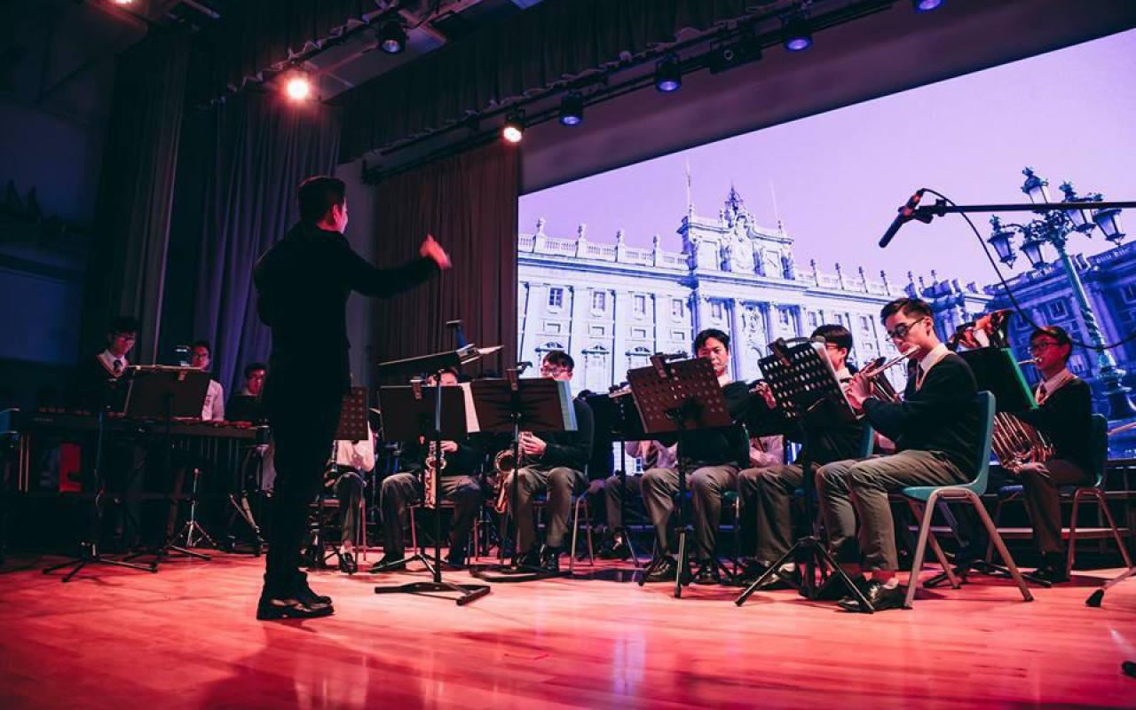 管樂團除參與該校校慶演出及社區演奏活動外,亦積極參與校際比賽,屢獲優異成績。