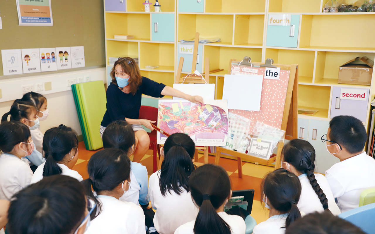 3位外籍英語老師安排不同的學習活動讓學生參與,藉此提高學生的英語能力。