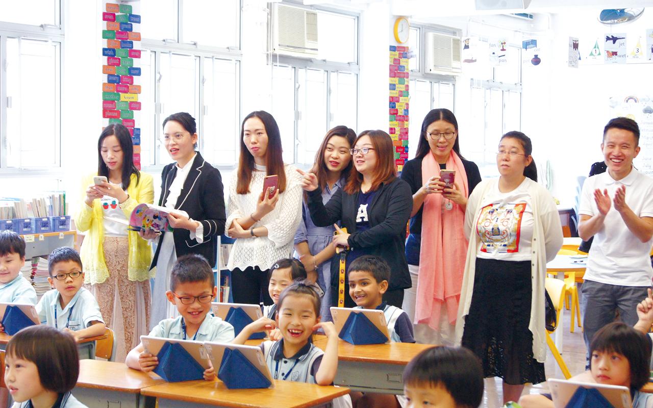 主科老師每年均會觀摩同級科任老師教學,互相學習及交流,從而優化教學。