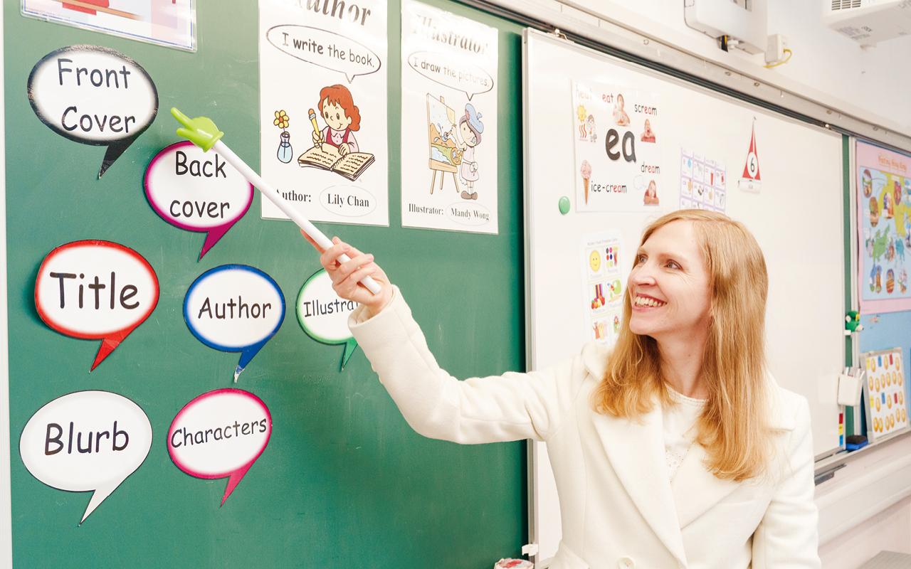 老師又將題材結合小朋友的實際生活經驗,讓學生用英語進行隨筆寫作,以文字表達所見所想,而非執著於英語語法及詞彙。