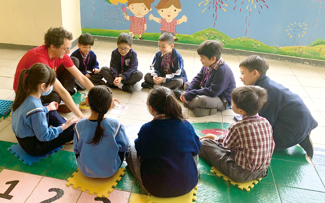 舊墟寶湖的英語課程十分活潑,融合課本、閱讀和活動三大元素。