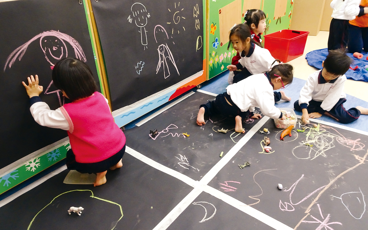 培養幼兒的藝術素養和創意,並發掘他們的藝術潛質,營造具創意及富有藝術氛圍的校園。