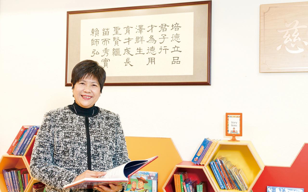 麥鳳璋校長提到教師團隊為「學習型團隊」,行政及教學人員均願意隨着時代的步伐求取教育專業的進步。