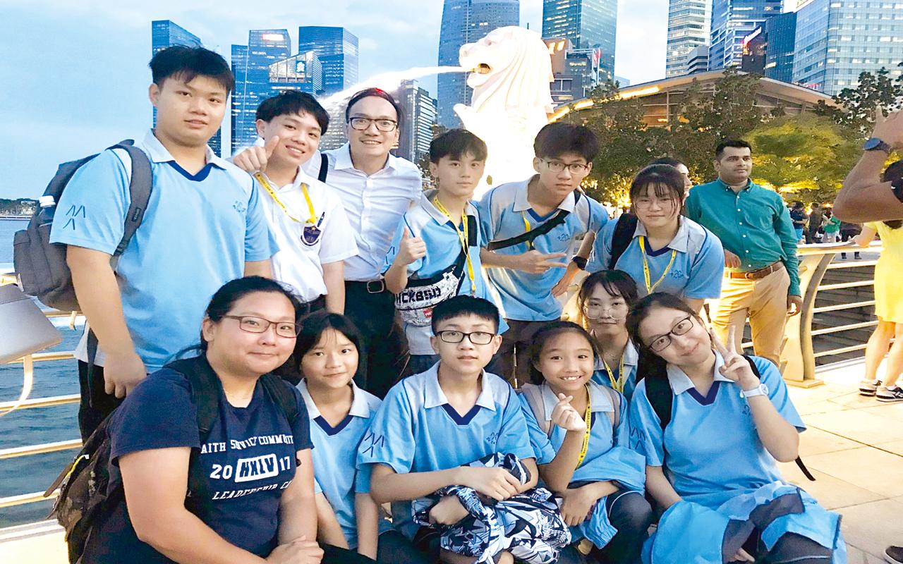 曹校長十分鼓勵學生走出課室,增廣見聞,因此大力推動海外遊學團,為學生締造多元學習機會。