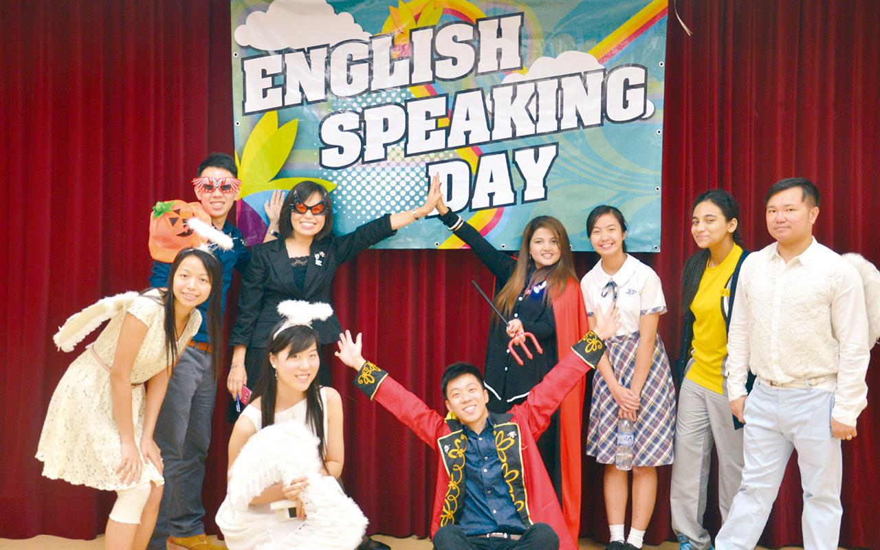 英文組老師於Speaking Day粉墨登場。