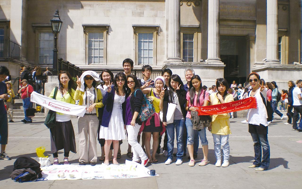 同學參加英文遊學團,結織不同背景的同學。