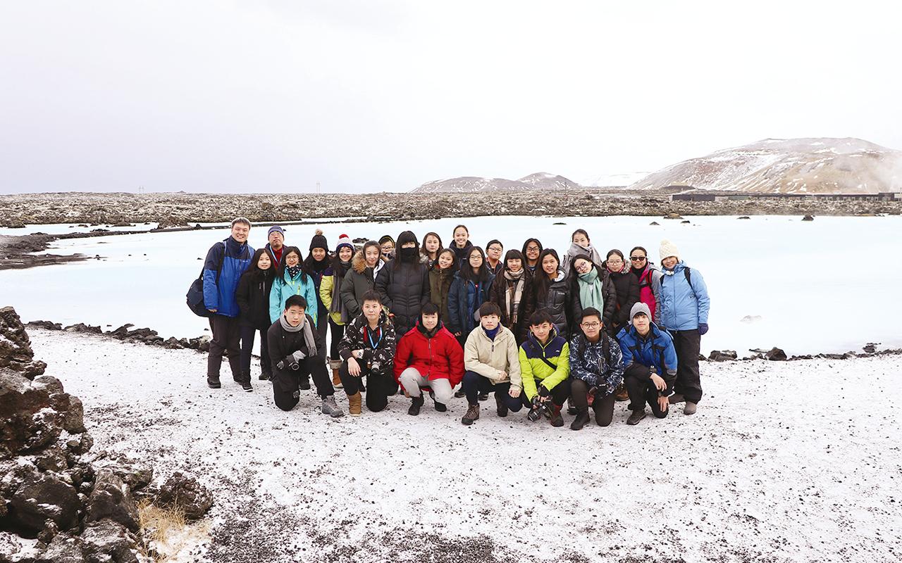 過往學校帶隊到芬蘭、冰島、德國及澳洲等國家,一方面磨練學生的英語溝通能力,另一方面幫助他們建構國際視野,透過交流進而理解及尊重當地文化。