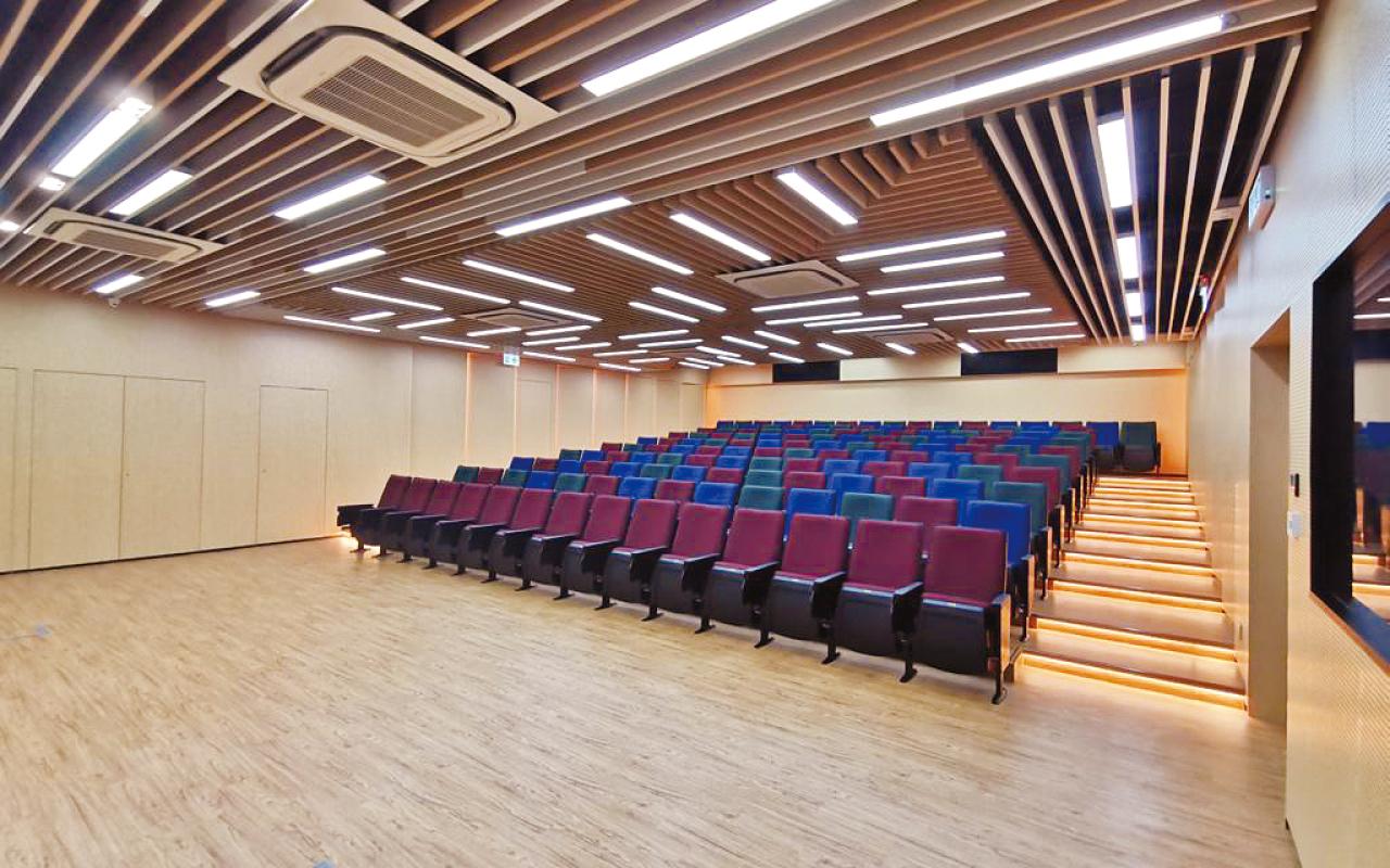 新建演講廳。