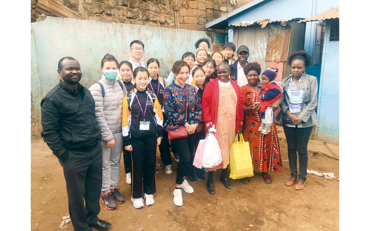 學校籌辦性質各異的交流團,讓同學到境外考察,體驗當地文化。